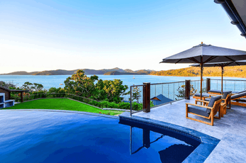 From waterfront luxury, to relaxed, family-friendly accommodation, Hamilton Island has more than 100 self-catering apartments, units and holiday homes to choose from.