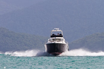 Exploring the Whitsundays and Great Barrier Reef - Hamilton Island holiday deals