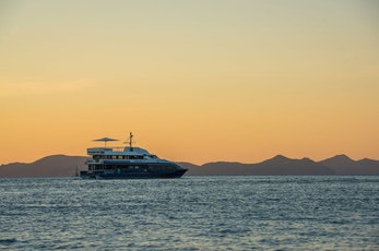 Sunset on the Hamilton Star - Hamilton island romantic getaway