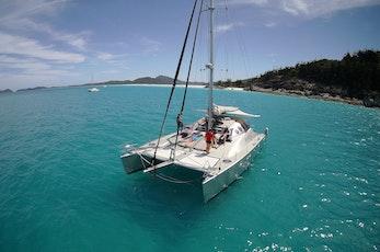 Cruise around the Great Barrier Reef on a catamaran - Hamilton Island