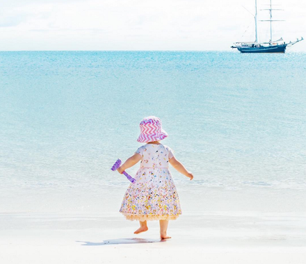 Shoplemonde daughter on Whitehaven beach