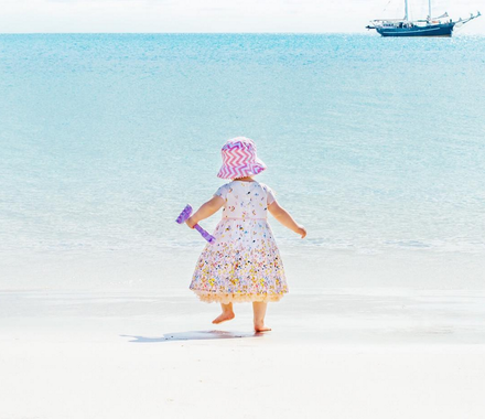 Shoplemonde daughter on Whitehaven beach