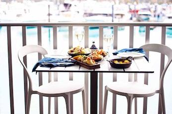 Hamilton Island holidays with kids - Mantra Ray Cafe - Hamilton Island hotels