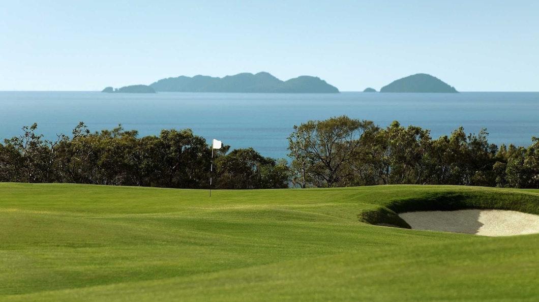 Golf Course Hole 13 Dent Island - Hamilton Island golf holidays