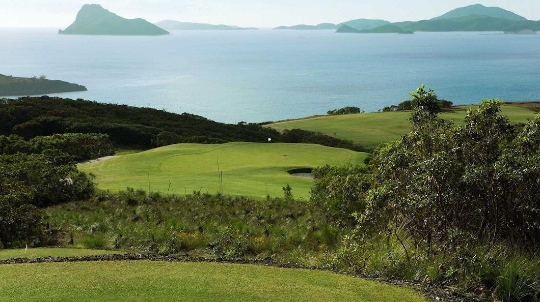 Golf Course Hole 14 Dent Island - Hamilton Island golf holidays