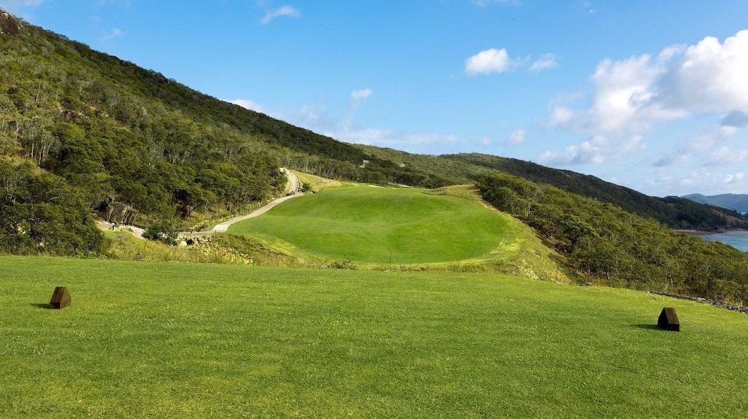 Golf Course Hole 17 Dent Island - Hamilton Island golf holidays
