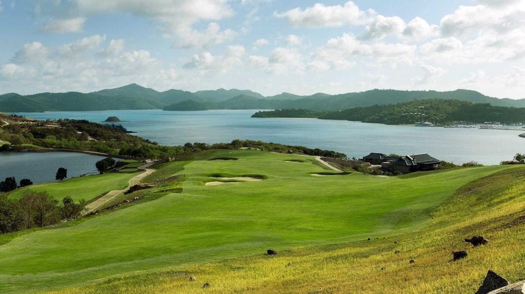 Golf Course Hole 18 Dent Island - Hamilton Island golf holidays