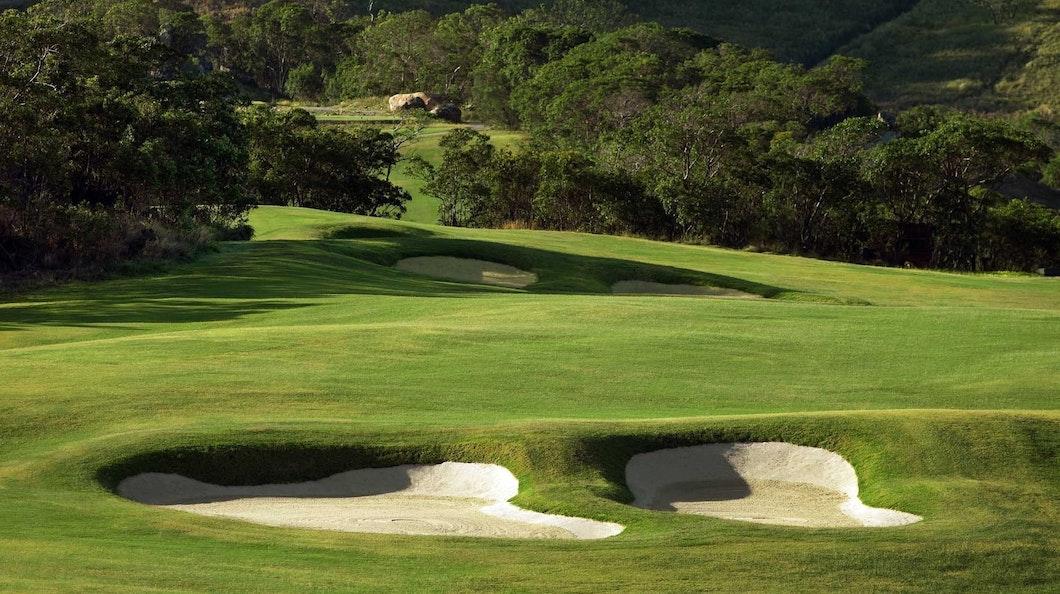Golf Course Hole 5 Dent Island - Hamilton Island golf holidays