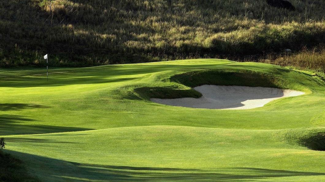 Golf Course Hole 6 Dent Island - Hamilton Island golf holidays