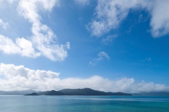 Discover Coral Bay during your trip to Hamilton Island - package holiday